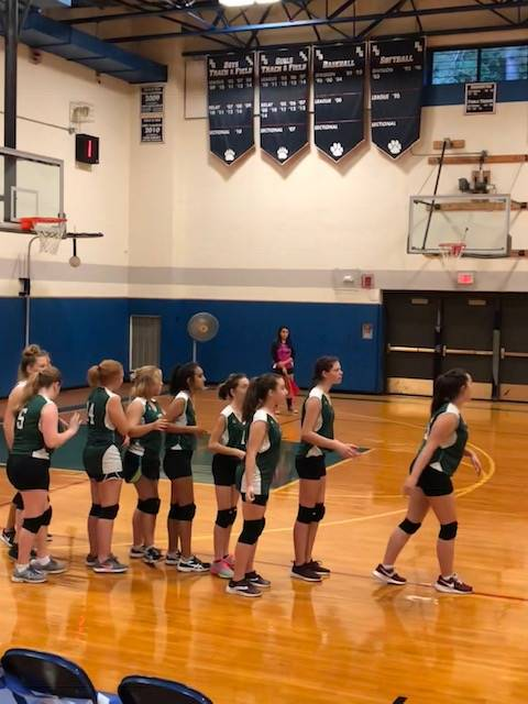 Picture of 2018 modified girls volleyball during game warm up