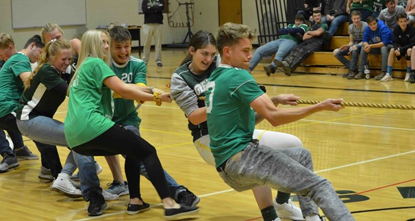 SENIORS IN SPIRIT DAY TUG 'O WAR COMPETITION