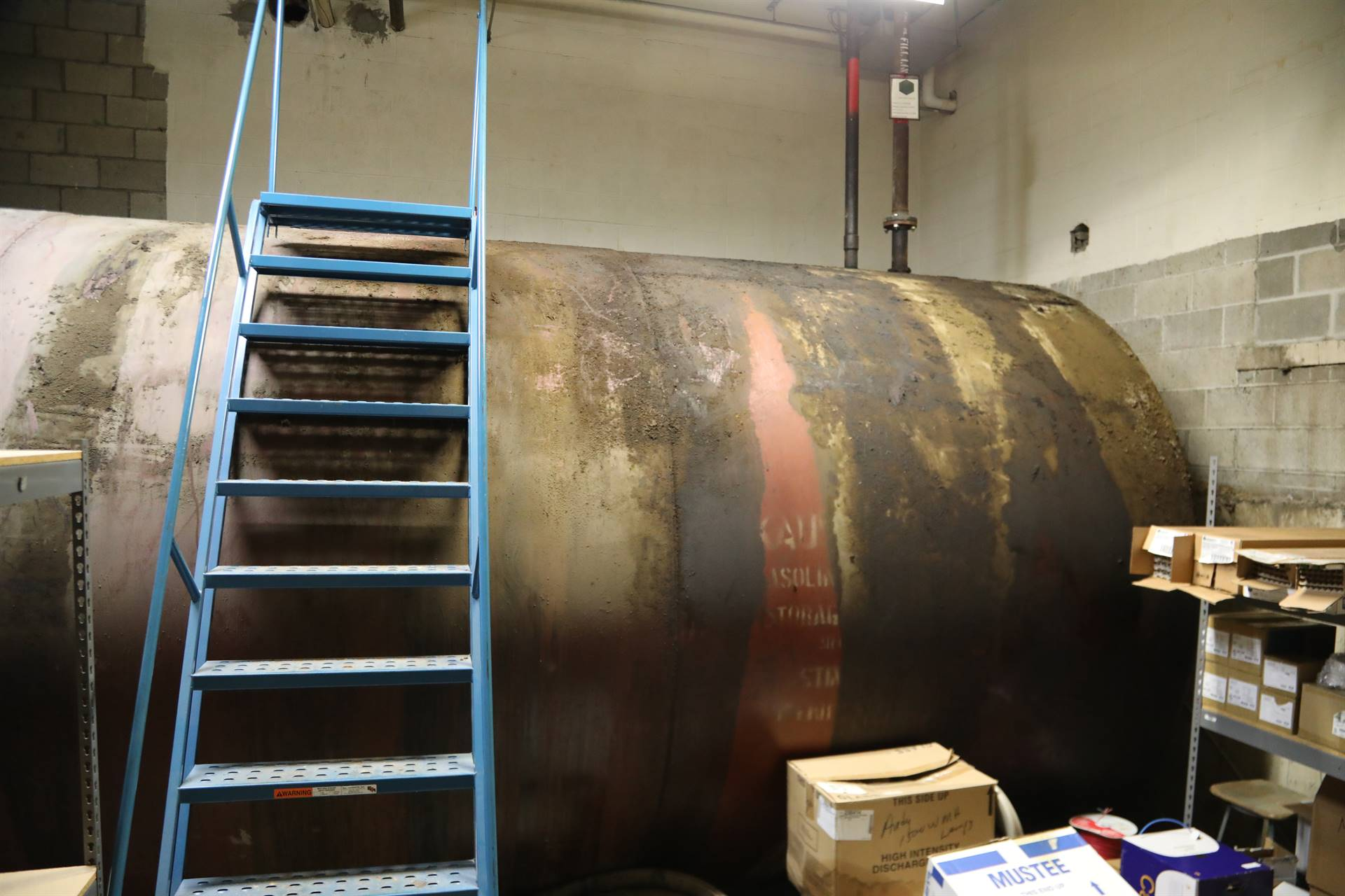 Photo of interior oil tank