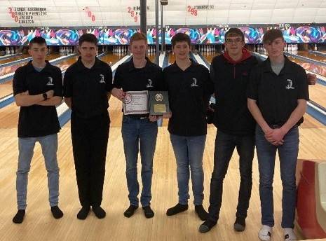 photo of boys bowling team