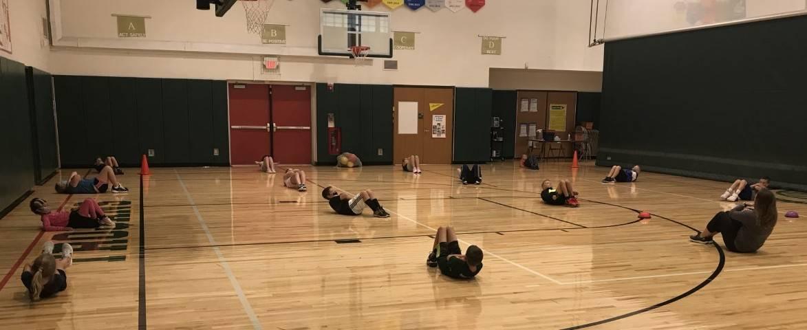 Intermediate School physical eduction class photo
