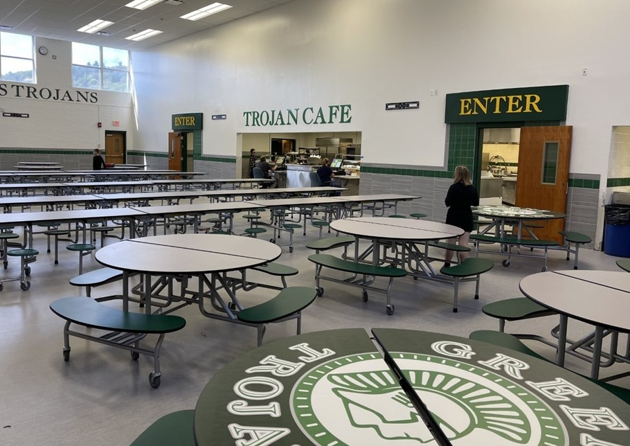 Renovated MS/HS Cafeteria Photo